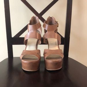 Guess platform heel